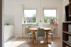 my scandinavian home: A beautiful Malmö home Scandinavian Interior Design, Scandinavian Home, Style At Home, Dining Room Inspiration, Dining Room Design, Home Fashion, Petra, Kitchen Interior, Home Kitchens