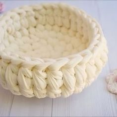 Video for Center half double crochet stitches, using in crochet t-shirt yarn baskets and more... הדגמה של סריגת עמודים קצרים למרכז התך (כמו בתך שיבולים...) שיהיה #crochet #crocheting #crochetlove #crochetaddict #crochetbasket #tshirtyarn #trapillo #סלסלה #חוטיטריקו #סריגה #עושהעיניים