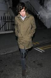 OMG HARRY IN A TRENCH COAT