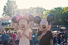 Minnie Mouse And Micky Mouse
