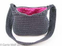 How to insert a zipper and line a crochet purse tutorial  ❥Teresa Restegui http://www.pinterest.com/teretegui/ ❥