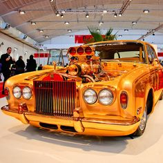 How many likes for this golden dream car ? let's start... #bestcars #cars #countingcars #bmw #volkswagan #Bugatti #audi #pagani #Chrysler #rollsroyce #rangerover