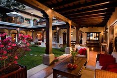 That too, is Guatemala - Future house Hacienda Style Homes, Spanish Style Homes, Spanish House, Spanish Colonial, Mexican Style Homes, Mediterranean Style Homes, Spanish Revival, Style At Home, Future House