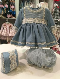 MODELO: CHS-01 TALLAS:5, 6  PVP: 107,00 €            ... Cute Little Girl Dresses, Baby Girl Party Dresses, Dresses Kids Girl, Vintage Baby Dresses, Baby Outfits, Kids Outfits, Baby Girl Fashion, Kids Fashion, Spanish Baby Clothes