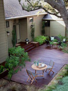 terrasse en bois ou composite, maison sympathique avec terrasse en bois