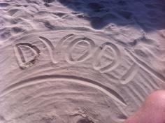 Van hardcore Dvoot fans, zo van een zonnig Italiaans strand...we like!!!
