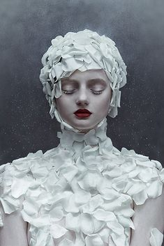 Photography: Zhang Jingna. Makeup: Viktorija Bowers. Model: Lily Olsen-Ecker. Photo Assistant: Ngoc Vu