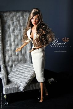 Portland Conversation Chair by http://www.regentminiatures.com offset by a repainted fashion royalty doll by INI.
