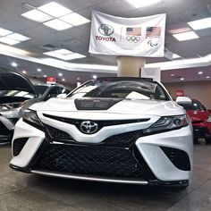 Undecided? Toyota of Manhattan is now at your fingertips. Get expert advice on which car to buy. Just click or tap Face2 to automatically connect to car experts at @toyota_manhattan #White #ToyotaOfManhattan #Partnerships #HumanConnection #OKTIUM