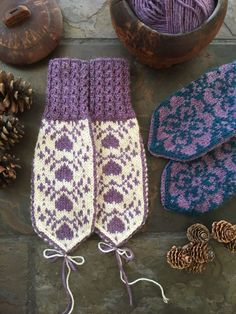Mittens Pattern, Knit Mittens, Knitted Gloves, Yarn Crafts, Diy And Crafts, Christmas Napkins, Cute Baby Clothes, Baby Knitting, Knit Crochet