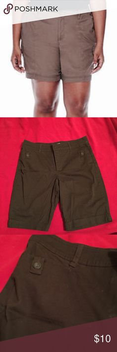 St. John Bay Brown Shorts Shorts are in good condition. Some lint and loose particles from storage. Inseam is 9 inches. I have absolutely no use for these shorts, so make an offer or bundle up 👍🏽 St. John's Bay Shorts Cargos