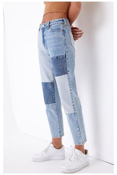 Mom Jeans Outfit Summer, Blue Mom Jeans, Cute Comfy Outfits, Trendy Outfits, Pacsun Outfits, Jugend Mode Outfits, Patched Jeans, Teen Fashion Outfits, Aesthetic Clothes