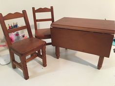American Girl Pleasant Company Molly Drop Leaf Table & Two Chairs Retired…