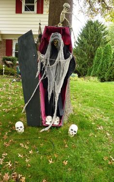 25 amazing halloween exterior decorations ideas - Halloween Yard Decorating Ideas