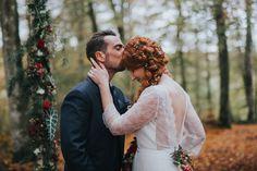 Mariage d'automne en Bretagne - Demoiselle capeline wedding planner et officiante de cérémonie laïque - photographe jemalove photgraphie