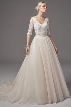 White bride dresses. Brides dream of having the most suitable wedding, however for this they need the ideal bridal dress, with the bridesmaid's dresses enhancing the brides dress. These are a variety of tips on wedding dresses.