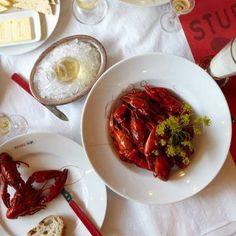 La cucina sudafricana é ricca di colore e tradizioni. Un viaggio culinario tra i piatti più amati dalla popolazione come il barracuda, pesce carnivoro, e quelli più tradizionali come il bobotie, servito con una salsa dolce simile a marmellata. Scoprite le altre ricette sudafricane su www.frescopesce.it/sudafrica-un-arcobaleno-di-sapori