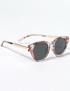da5bb89f2ff04 Accesorios y sandalias  summer  - ELLE.ES Gafas De Sol De Mujeres