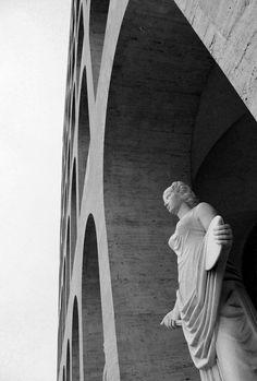 Palazzo della Civiltà Italiana - Colosseo Quadrato - Roma