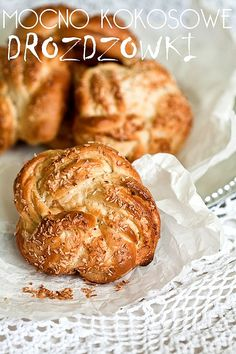 Sweet buns with coconut filling firmly Sweet Buns, Sweet Sweet, Baking With Julia, Tight Buns, Good Food, Yummy Food, Best Breakfast, Bread Baking, Sweet Recipes