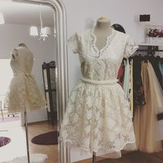 Rochie din organza si tulle Short Sleeve Dresses, Dresses With Sleeves, Tulle, Fashion, Moda, Fashion Styles, Gowns With Sleeves, Tutu, Fasion