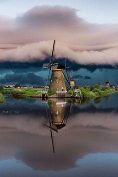 Windmills . Kinderdijk Holland