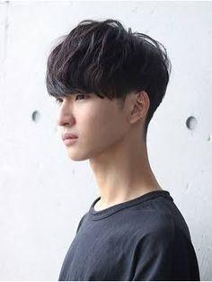 Korean Men Hairstyle, Korean Short Hair, Short Hair Cuts, Men's Hairstyle, Medium Hair Styles, Curly Hair Styles, Two Block Haircut, Ulzzang Hair, Kpop Hair