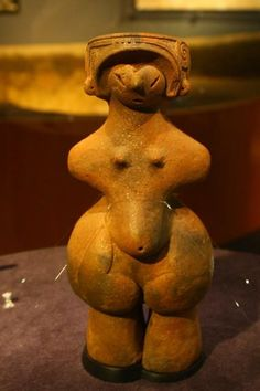 Clay Venus Jomon (Goddess of the Mask) - 5000 years - from Chino, Japan ~ Compare to the Valdivia pottery style people of Ecuador.