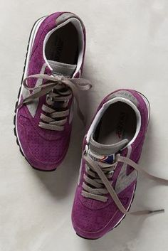 Brooks Winter Chariot Sneakers Blackberry #anthrofave