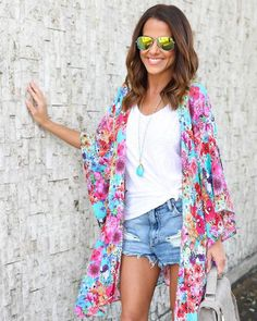 We are so in love with this new playful multi-floral printed kimono! The Floral Fantasy Kimono is perfection in vibrant hues of mint, magenta, yellow and blue f Long Kimono Outfit, Floral Kimono Outfit, Kimono Fashion, Cute Summer Outfits, Spring Outfits, Trendy Outfits, Summer Cruise Outfits, Summer Kimono, Colourful Outfits