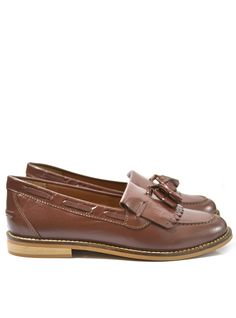 Leah Leather Loafer Product Code: CL5209 £49.99 https://www.stylistpick.com/carlton-london/shoes/leah-leather-loafer-33588