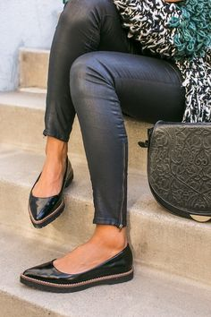 Can anyone I.D. these shoes?
