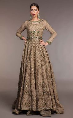 Exclusive Collection of Pakistani Walima Dresses by Fahad Hussayn Bridal Collection Features 13 Beautiful and Elegant Bridal Dresses for Pakistani Bride. The Designer Collection features Red, Golde… Bridal Dresses 2017 Pakistani, Pakistani Bridal Lehenga, Walima Dress, Bridal Dresses Online, Bridal Wedding Dresses, Bridal Outfits, Formal Wedding, Wedding Dress Pictures, Designer Gowns