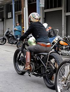 Always great to see the fairer sex owning and riding fukin awesome custom bikes. Here's Lil Sara and her Triumph Bobber. Check out more sho...