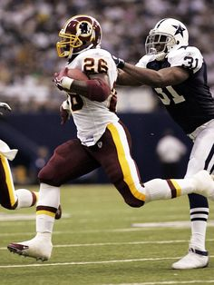 45 years of the Washington Redskins vs. the Dallas Cowboys, in photos Cincinnati Reds Baseball, Indianapolis Colts, Dallas Cowboys, Pittsburgh Steelers, Redskins Fans, Football Fans, Redskins Football, Football Players, Nfc East Division