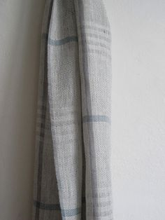 Handwoven scarf in linen and bamboo. by byrios.