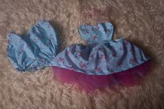 Cake smash Baby Girl top and coordinating bloomers with tulle under layer,Birthday photo shoot,blue floral Fabric.Low Back halter ties. Baby Girl Tops, Birthday Photos, Floral Fabric, Cake Smash, Photography Props, Photo Shoot, Ties, Layers, Tulle