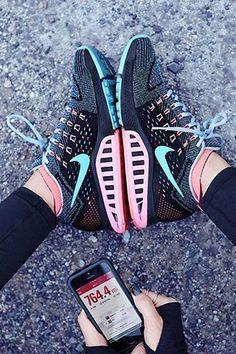 best website dccb5 e69a3 Nike Air Zoom Structure 18 - Quand vitesse rime avec stabilité.   runningClothes Nike Shoes