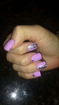 Triangle print nails