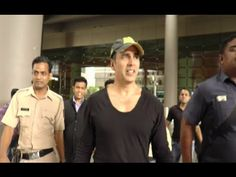 Akshay Kumar & Evelyn Sharma SPOTTED at Mumbai airport.
