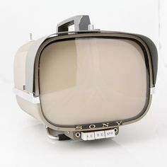 SONY 1960 First Transistor TV television 8 inch model 8-310W