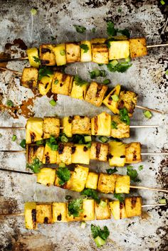 Vegan Turmeric Pineapple Tofu Kabobs Beautiful ready to grill tofu kabobs with a soy ginger turmeric marinade and fresh pineapple cubes. Delicious and perfect for the vegetarians in your life! Healthy Grilling Recipes, Vegan Grilling, Vegan Dinner Recipes, Vegan Dinners, Vegetarian Recipes, Vegetarian Kabobs, Vegan Kabobs, Grilled Tofu Recipes, Vegan Foods