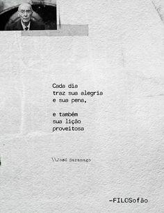 José Saramago, escritor português. Foi galardoado com o Nobel de Literatura de 1998. Também ganhou, em 1995, o Prêmio Camões, o mais importante prêmio literário da língua portuguesa.