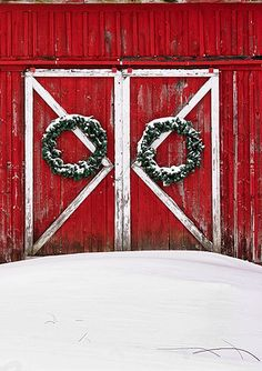 Every barn needs a wreath at Christmas.
