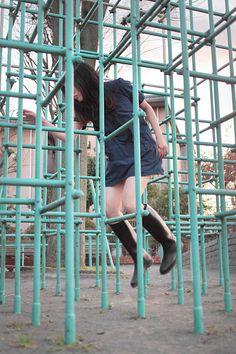 japanese girl levitates natsumi hayashi 5 Natsumi Hayashi: A Life of Levitation pics] Flying Photography, Creative Photography, Postmodern Photography, Story Inspiration, People Around The World, Japanese Girl, Cool Girl, Cool Pictures, Photoshoot