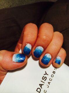 Blue ombré glitter nails Frozen inspired ❄️