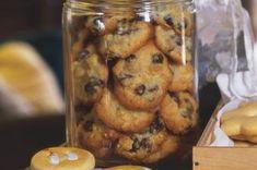 Kokosový likér | Apetitonline.cz Chicken Wings, Muffin, Meat, Breakfast, Food, Morning Coffee, Essen, Muffins, Meals