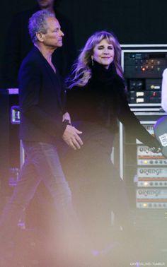 w/ Lindsey, Isle of Wight Festival 2015 Stevie Nicks Lindsey Buckingham, Buckingham Nicks, Isle Of Wight Festival, Stephanie Lynn, Stevie Nicks Fleetwood Mac, Love You Baby, Billy Joel, Music Film, Celebs
