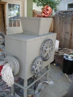Halloween decorations -Mechanical: The Grinder. Good photo prop for the Halloween show. Haunted House Props, Halloween Haunted Houses, Creepy Halloween, Halloween Town, Holidays Halloween, Halloween Themes, Halloween Make, Halloween Decorations, Haunted House Decorations