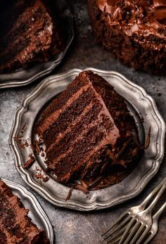 Decadent Chocolate Cake, Chocolate Flavors, Chocolate Cakes, Old Fashioned Chocolate Cake, Chocolate Heaven, White Chocolate, Fudge Frosting, Chocolate Frosting, Food Cakes